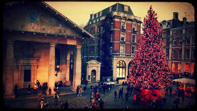 Le 5 migliori destinazioni per lo shopping natalizio