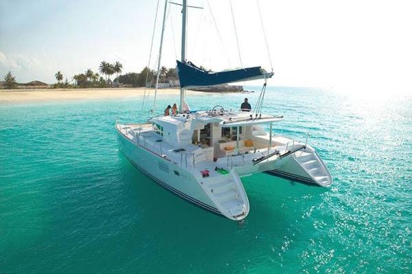 Vacanze al mare – La barca appartamento